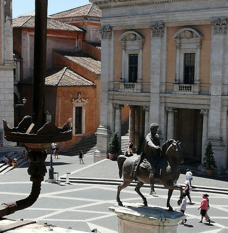 Michel-Ange place du Capitole