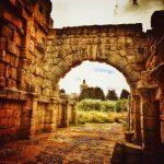 le sanctuaire de Tindari vu des ruines
