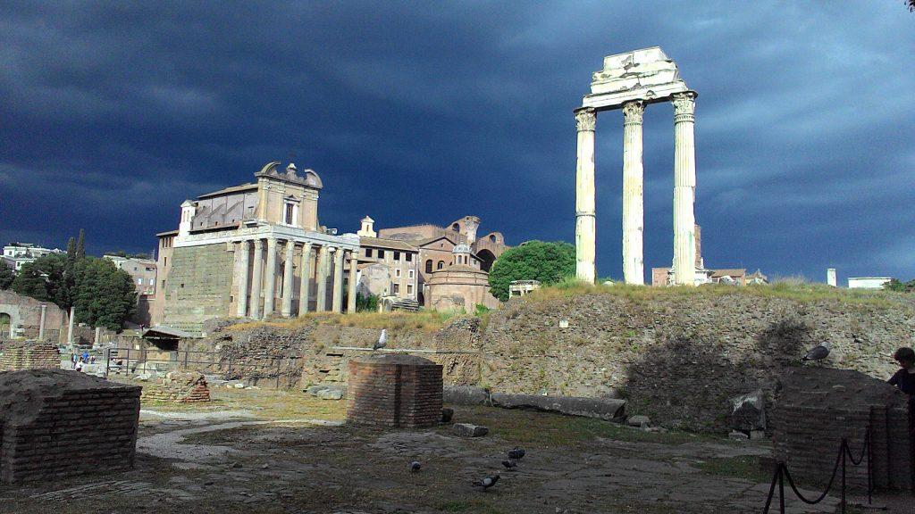 orage sur le forum romain