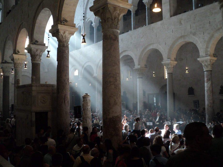 solstice d'été cathédrale de saint Sabin