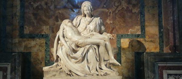la Pietà de Michel-Ange dans la basilique de saint Pierre
